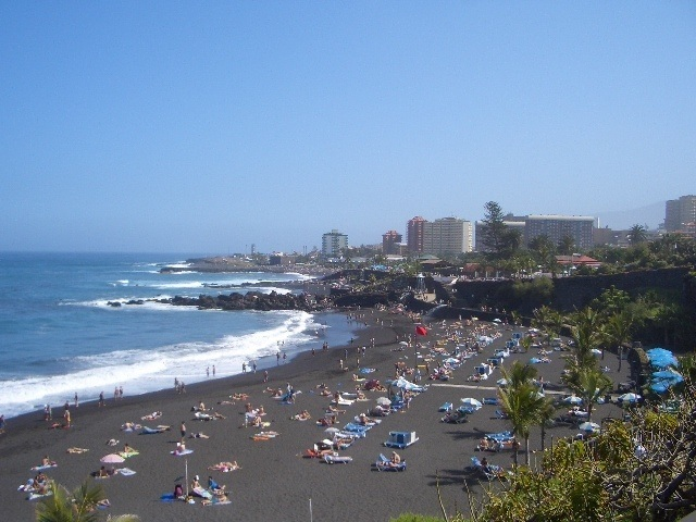 black sandy beach puerto de la cruz