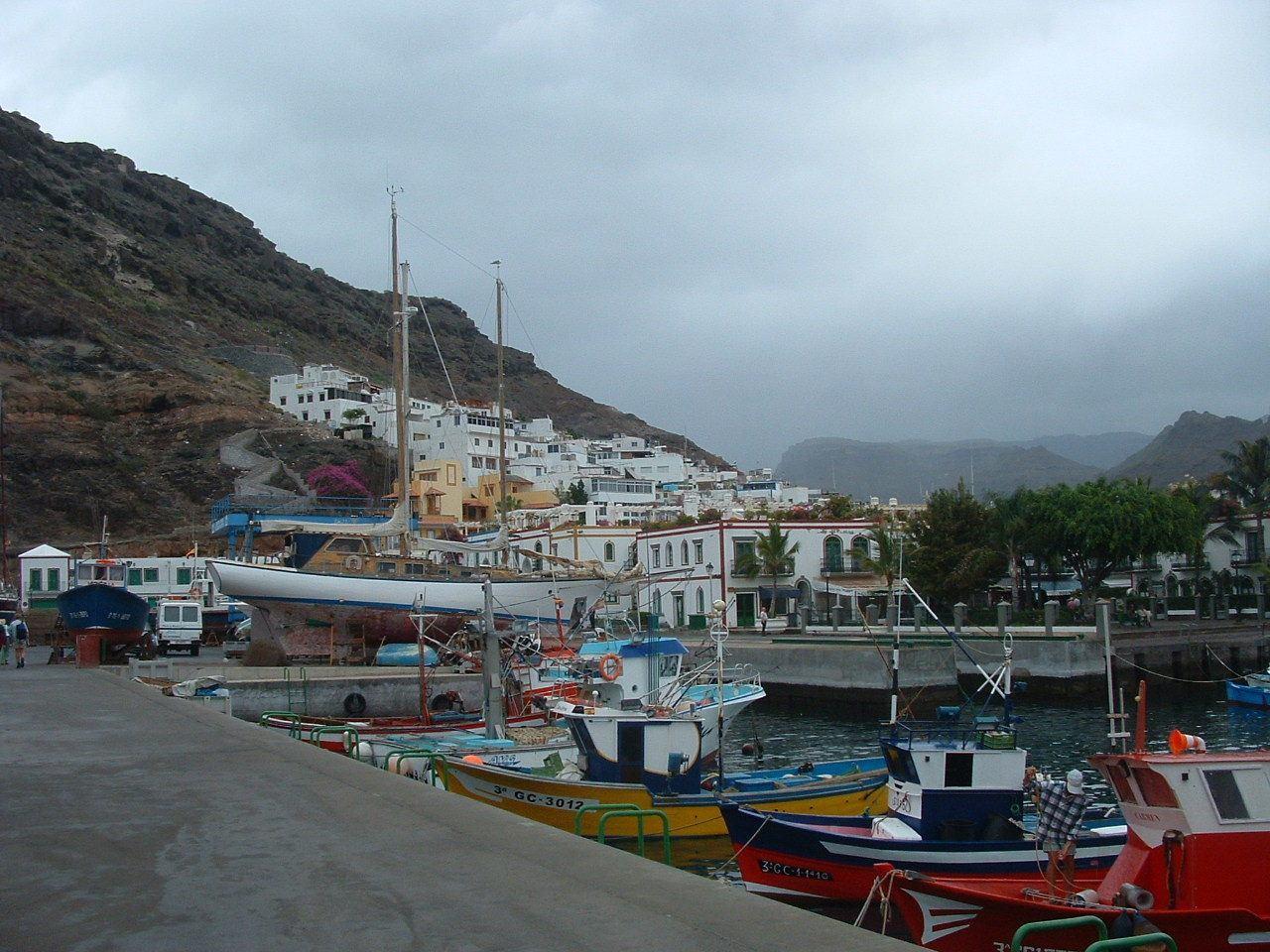 puerto de mogan cloudy weather