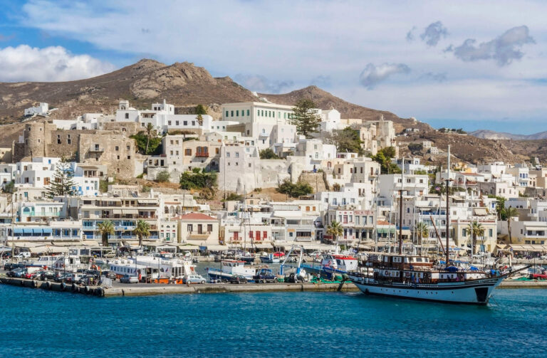 cruise to cyclades